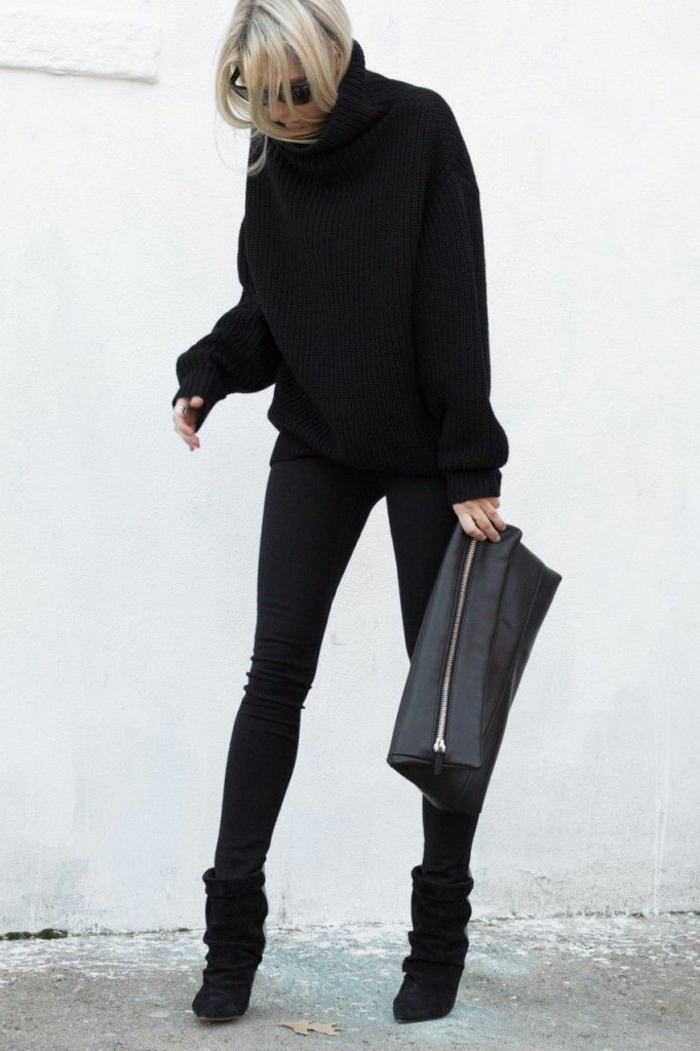 schicker-Outfit-Pullover-Rollkragen-schwarze-Leggings-Clutch
