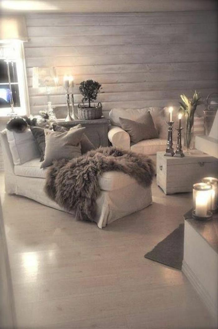 schlichtes-skandinavisches-Interieur-Winterdekoration-Kerzen
