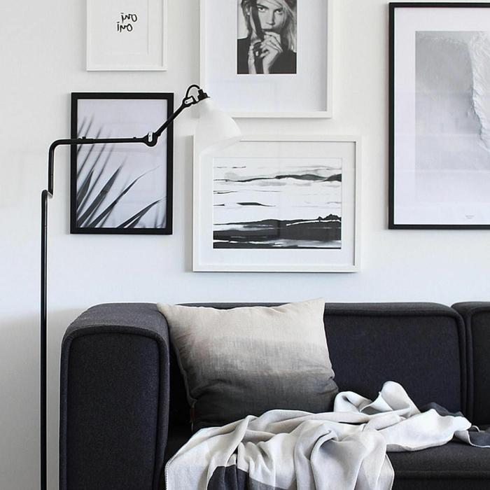 black and white fotografien und bilder, wandbilder wohnzimmer, lampe und couch in schwarz,