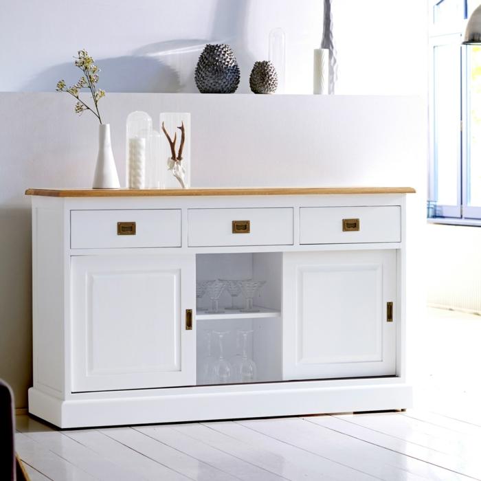 sideboard-in-weiss-einfaches-design-mit-schönen-formen