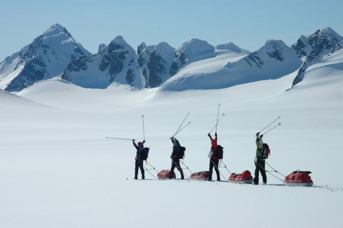 ski-schlitten-oder-schlitten-fahren-originelles-foto