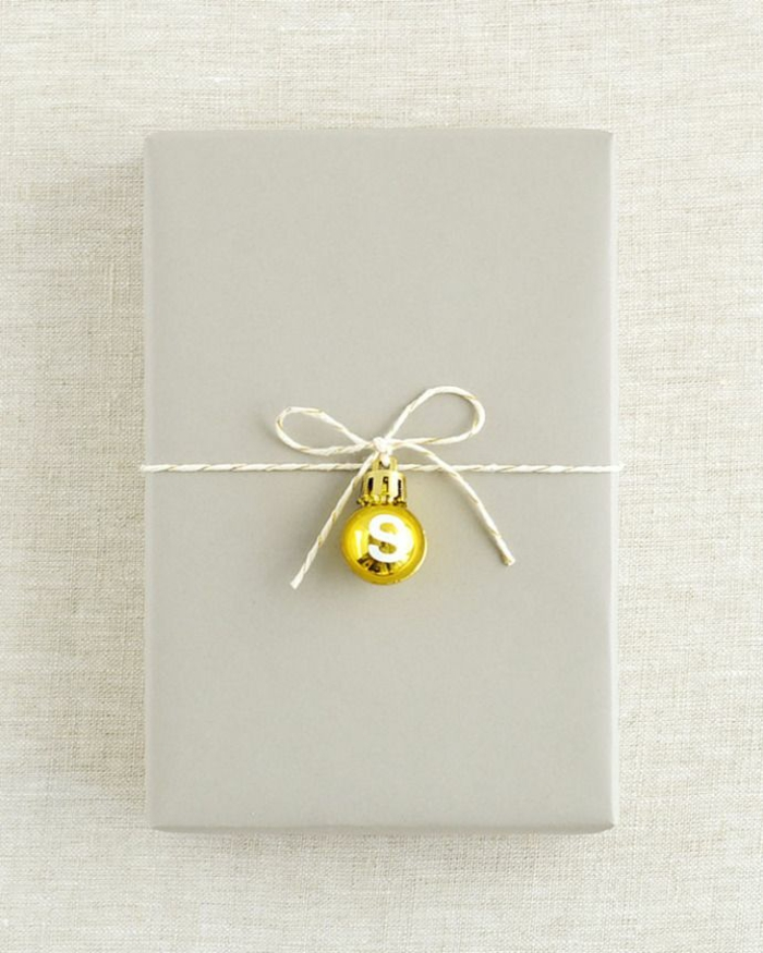 spezielle-Geschenke.verpacken-schlichte.Dekoration-Weihnachtsschmuck