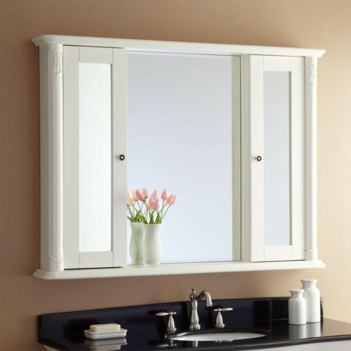 spiegelschrank-bad-mit-beleuchtung-interessantes-design