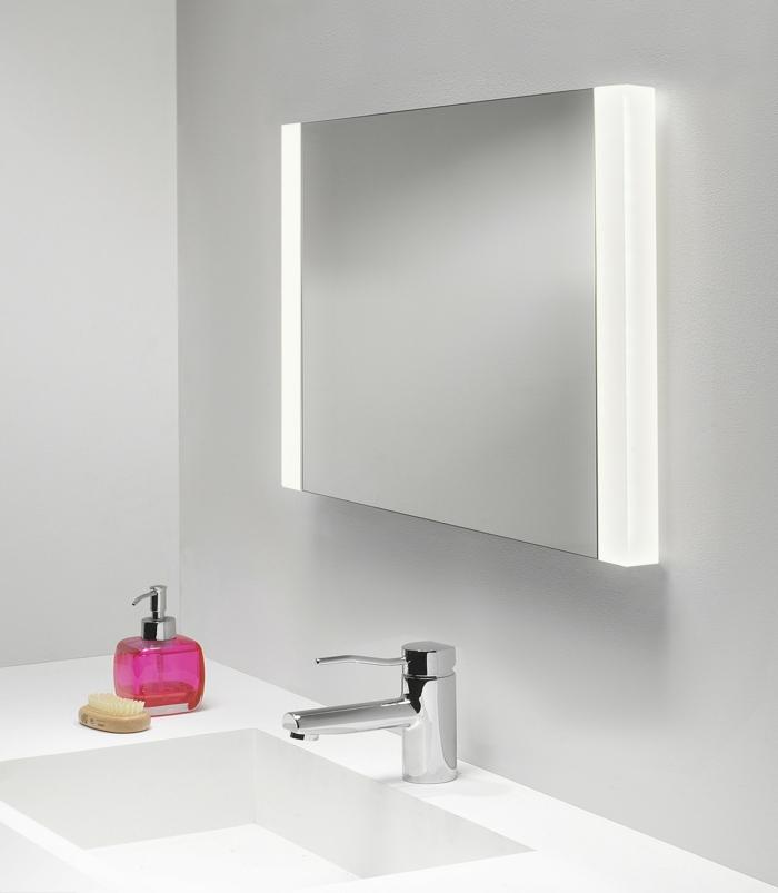 Badezimmer spiegelschrank mit beleuchtung