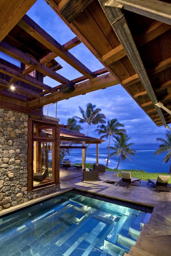 strandhäuser-exotischer-pool-mit-überdachung