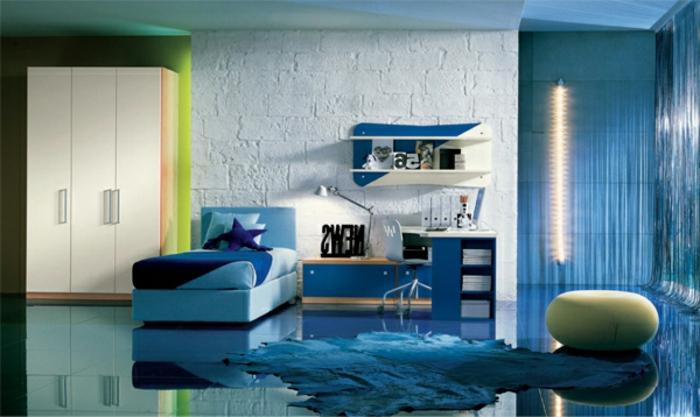 streichideen-wände-im-wohnzimmer-wandfarbe-hellblau