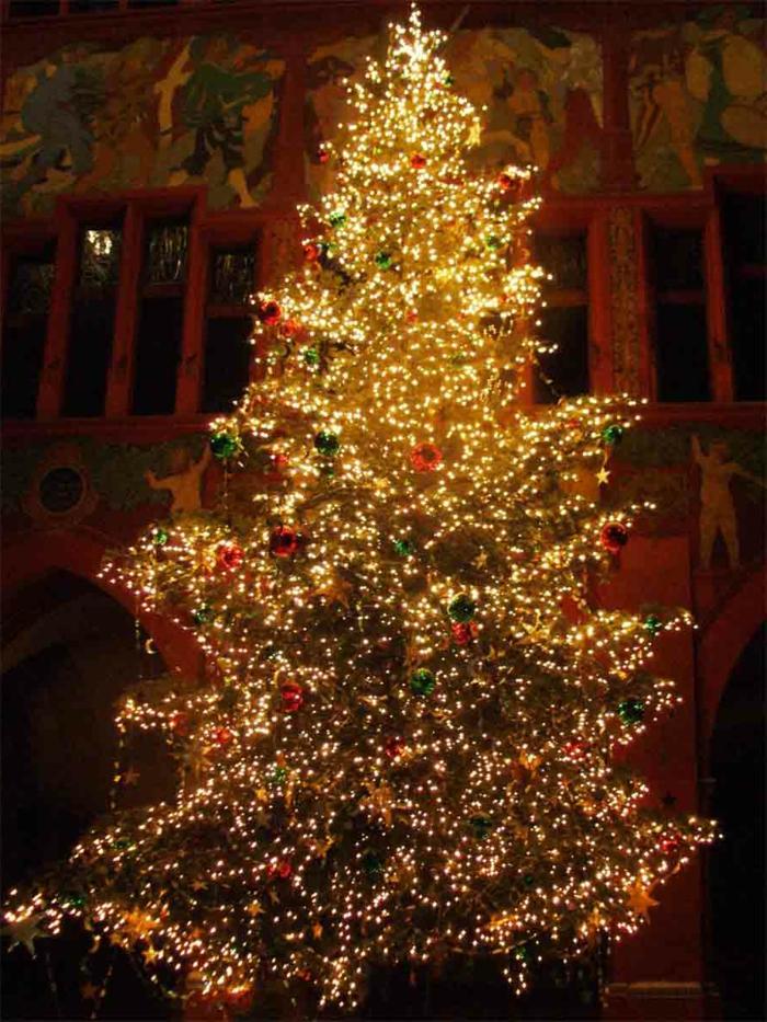 tannenbaum-künstlich-led-beleuchtung