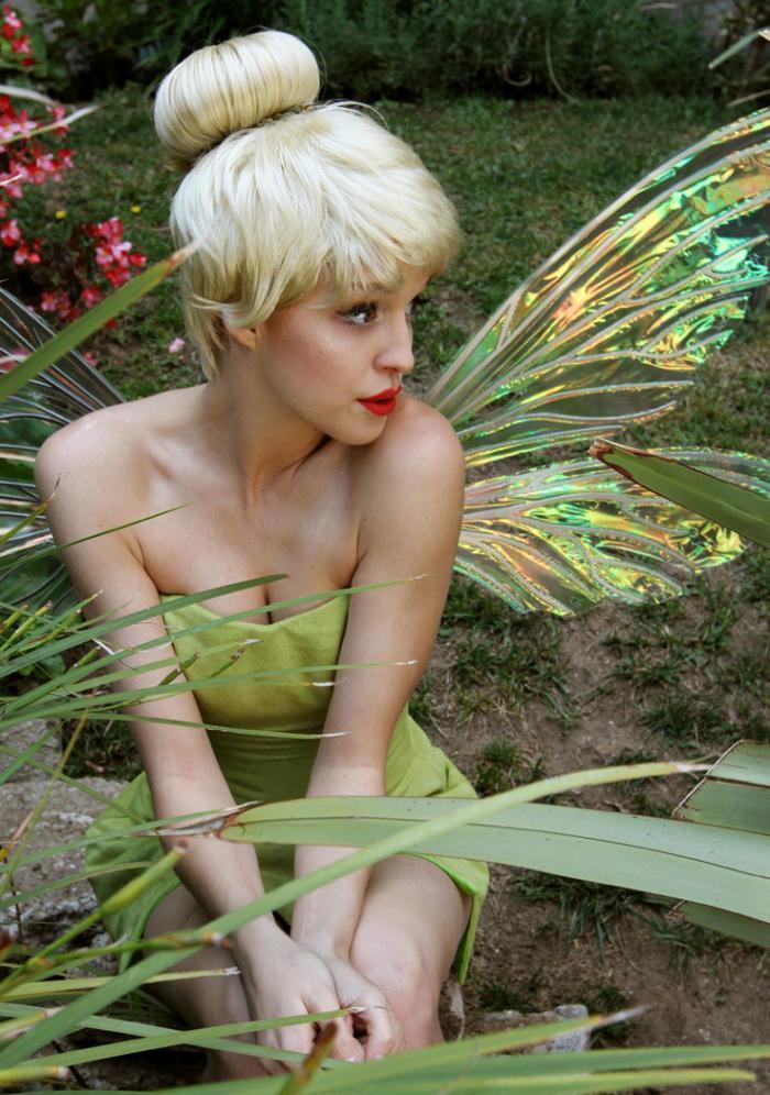 tinkerbell-kostüm-großes-Mädchen-kokett-süß
