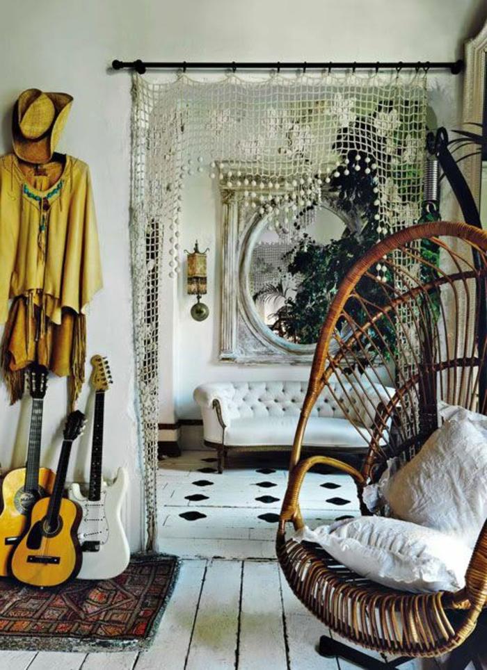 vintage-Interieur-70er-Jahren-Inspiration-Gitarren-Dekoration