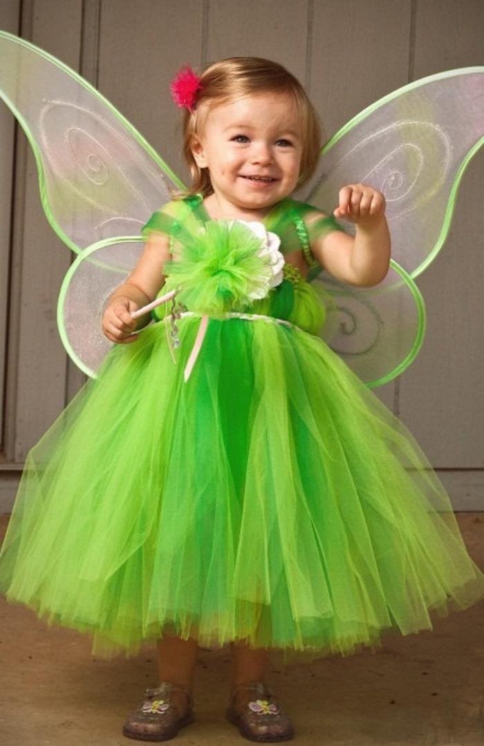 waldfee-kostüm-grün-kleines-Mädchen-süß-kokett
