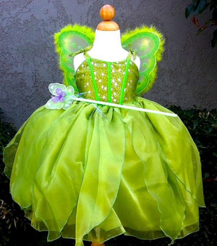 waldfee-kostüm-grün-prachtvolles-Modell-Glanz-magischer-Stick