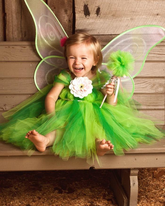 waldfee-kostüm-Feenkostüm-kleines-Mädchen-Schmetterling-grün