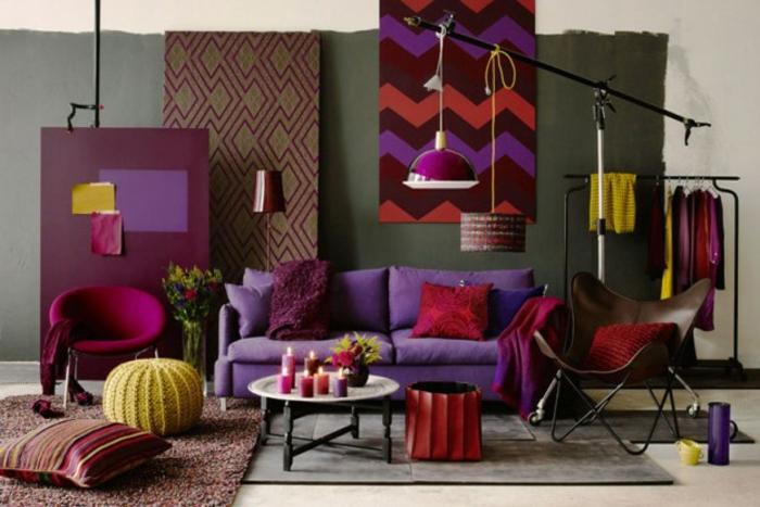 wandfarbe-aubergine-wände-streichen-muster-wohnzimmer