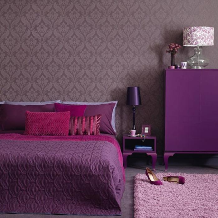 wandfarbe-beere-schönes-schlafzimmer-moderne-wandfarben-gestaltung