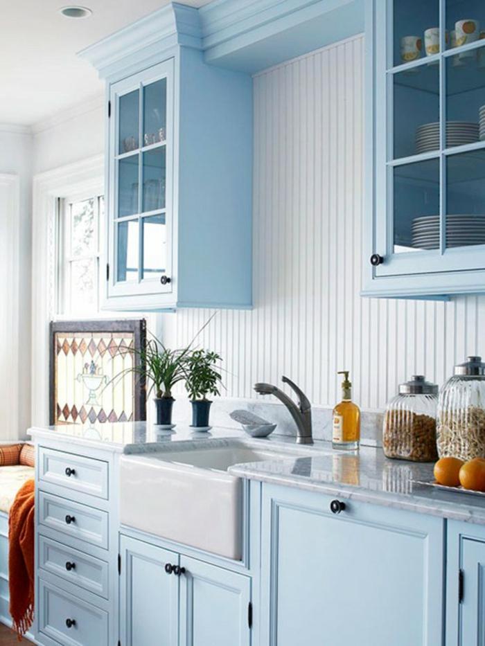 wandfarbe-hellblau-wunderschöne-kleine-küche