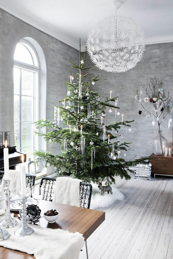 weihnachtsbaum mit beleuchtung 40 unikale fotos. Black Bedroom Furniture Sets. Home Design Ideas