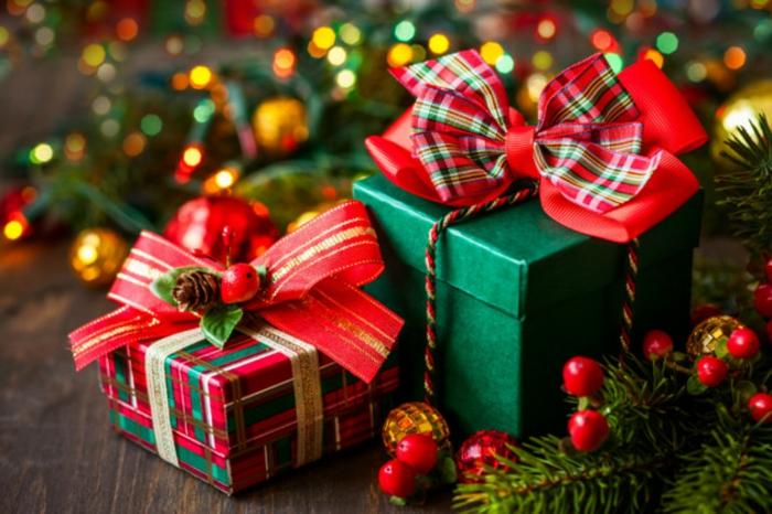 weihnachtsgeschenke-verpacken- grüner-zwei