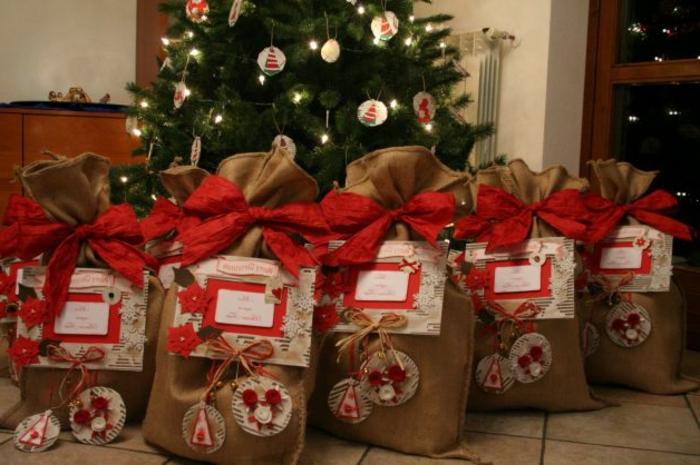 weihnachtsgeschenke-verpacken-sacks