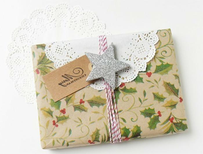 weihnachtsgeschenke-verpacken-sternchen-schmuck