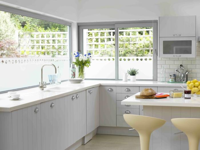 wohneinrichtung-ideen-weiße-küche-landhaus-stil