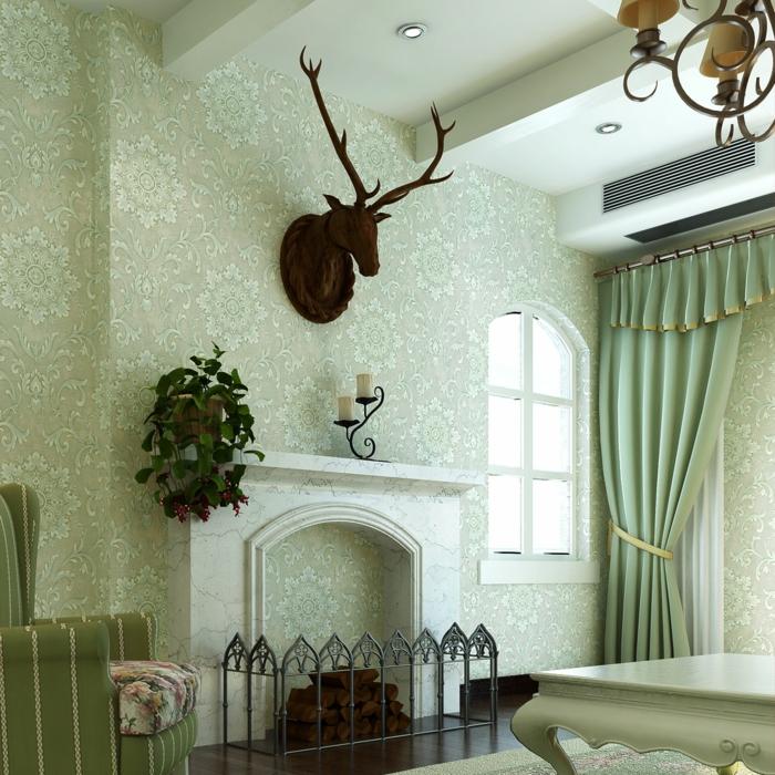 wunderschönes-Interieur-Kamin-elegante-Gardinen-Wanddekoration-Hirschkopf-aristokratischer-Sessel-vintage-Tapeten