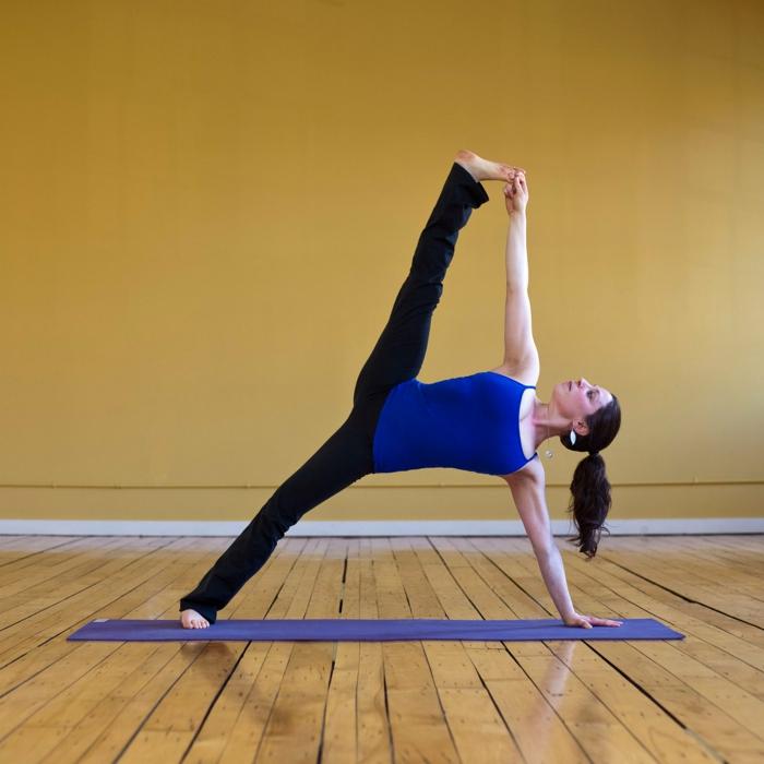 yoga-übungen-interessante-position