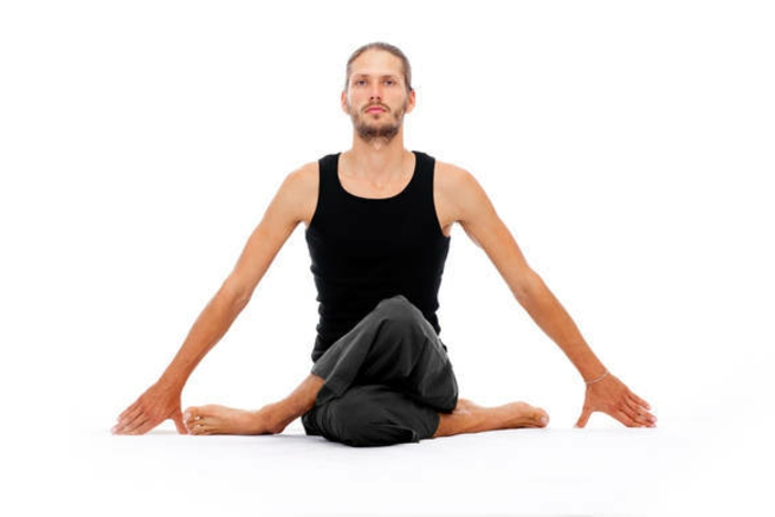 yoga-übungen-weißer-hintergrund