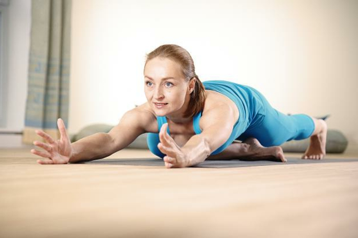 stunning yoga f r zuhause pictures. Black Bedroom Furniture Sets. Home Design Ideas