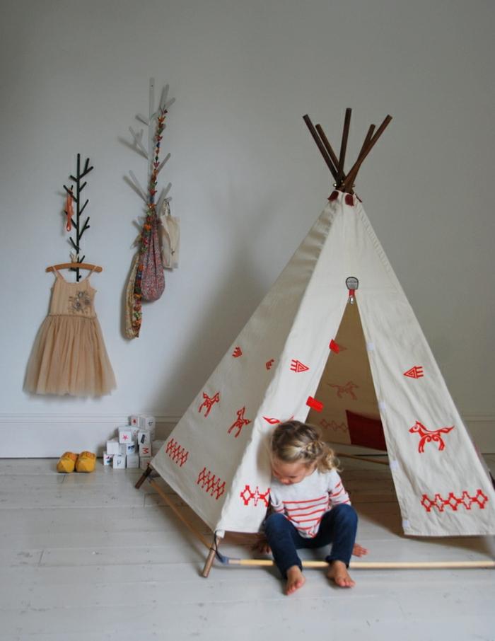 zelt-tipi-im-Kinderzimmer-Boho-Gestaltung