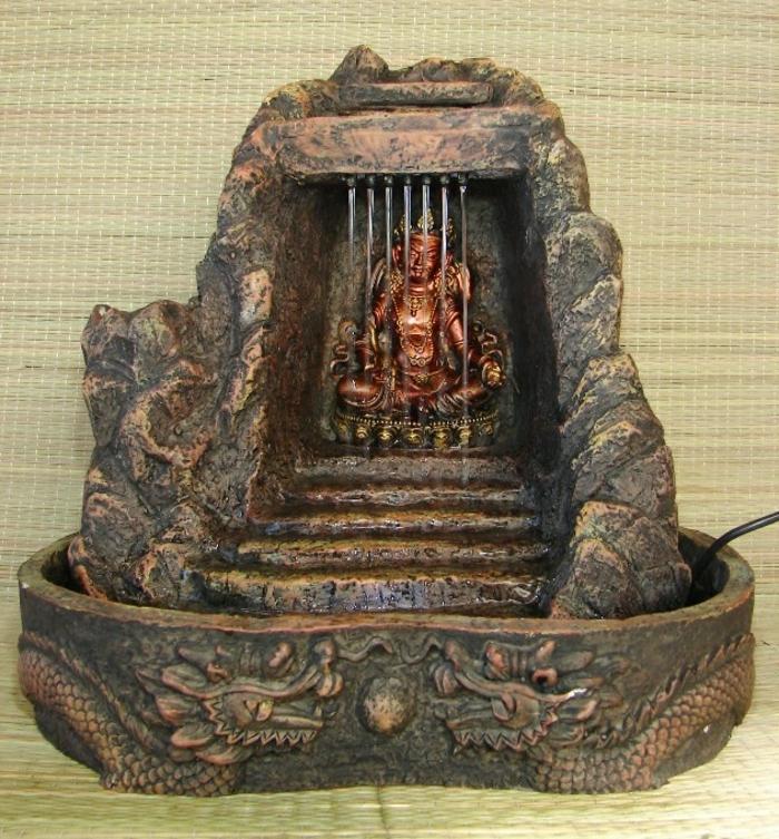zimmerbrunnen-mit-buddha-attraktive-gestaltung