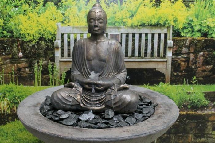 zimmerbrunnen-mit-buddha-runde-formen-sehr-schön