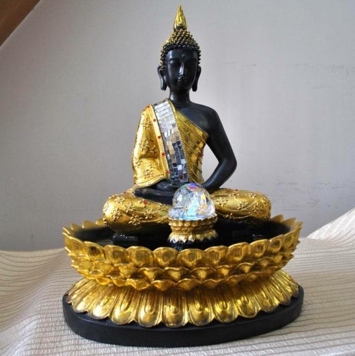 zimmerbrunnen-mit-buddha-tolles-aussehen-wunderschöne-dekoration