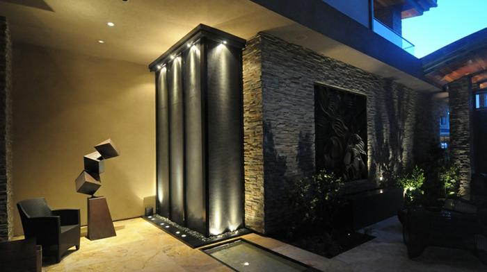 zimmerbrunnen-mit-wasserfall-sehr-luxuriöses-zuhause
