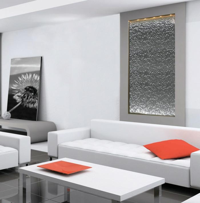 Zimmerbrunnen Mit Wasserfall Unikales Zimmerdesign Weiße Tische