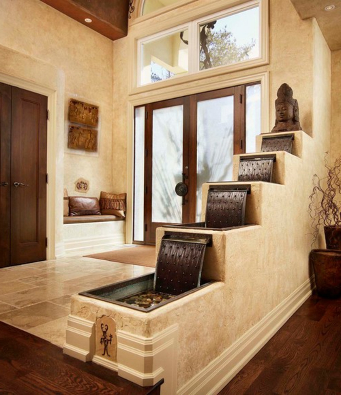 zimmerbrunnen-mit-wasserfall-weiße-gestaltung-von-flur