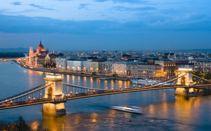 Budapest-Ungarn-beliebte-reiseziele-europa-berühmte-sehenswürdigkeiten-in-europa