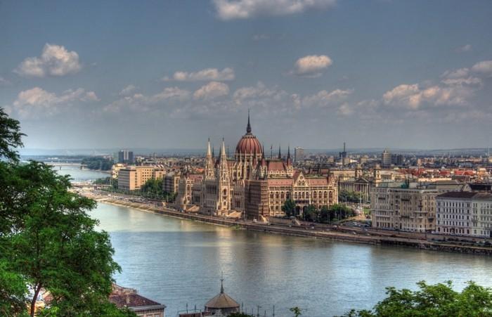 Budapest-Ungarn-berühmte-sehenswürdigkeiten-in-europa-städtereise-europa
