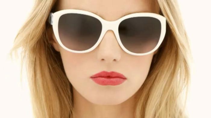 Chanel-Sonnenbrille-weisse-rahmen