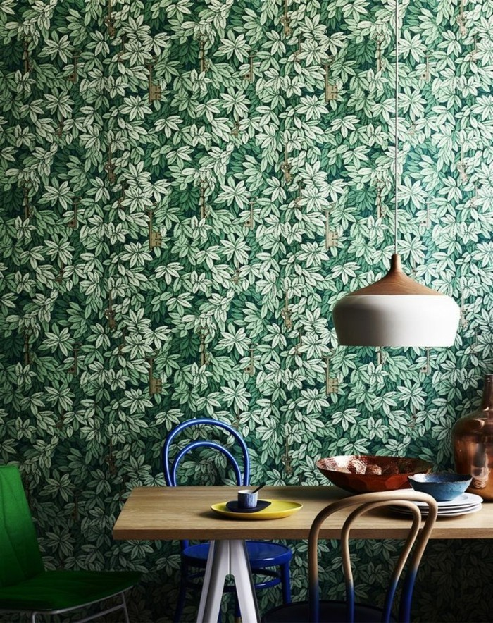 Esszimmer-interessante-Möbel-natural-aussehendes-tapeten-design
