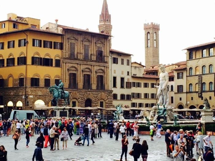 Florenz-Italien-Piazza-Statuen-europa-städte-beliebte-reiseziele-europa