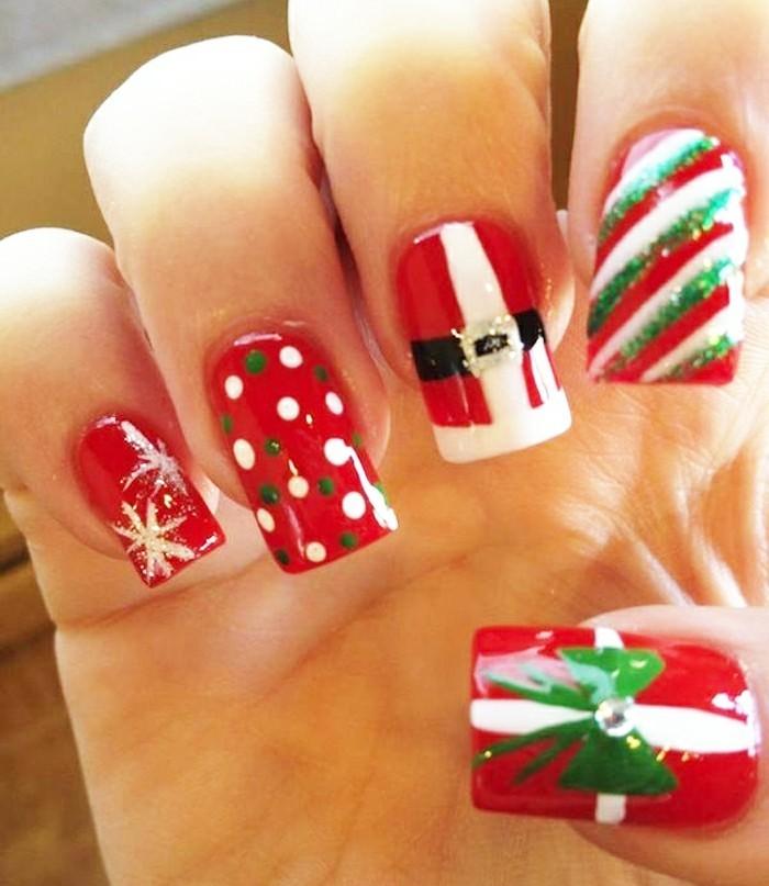 Gelnägel-weihnachten-dekorativ-gestaltet