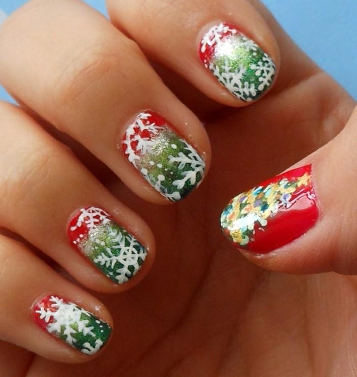 Nageldesign-weihnachten-farben-und-motiven