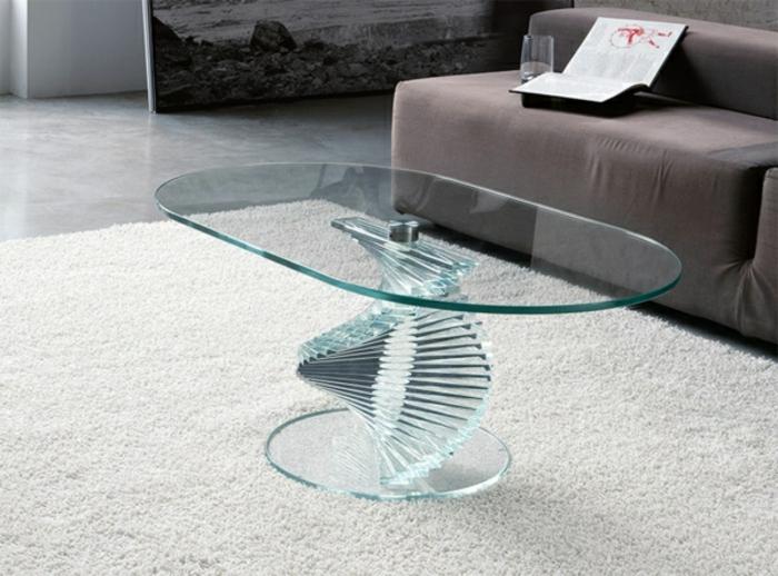 Ovaler-Couchtisch-aus-Glas-modernes-design