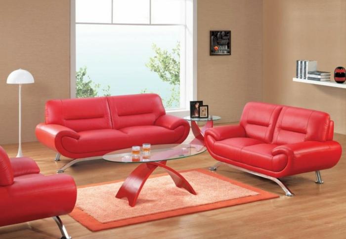 Ovaler-Couchtisch-rot-und-rot-leder-sofa