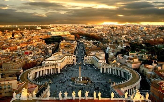 Rom-Italien-Vatikan-Foto-von-oben-städtetrips-europa-sehenswürdigkeiten-in-europa-beliebte-reiseziele-europa
