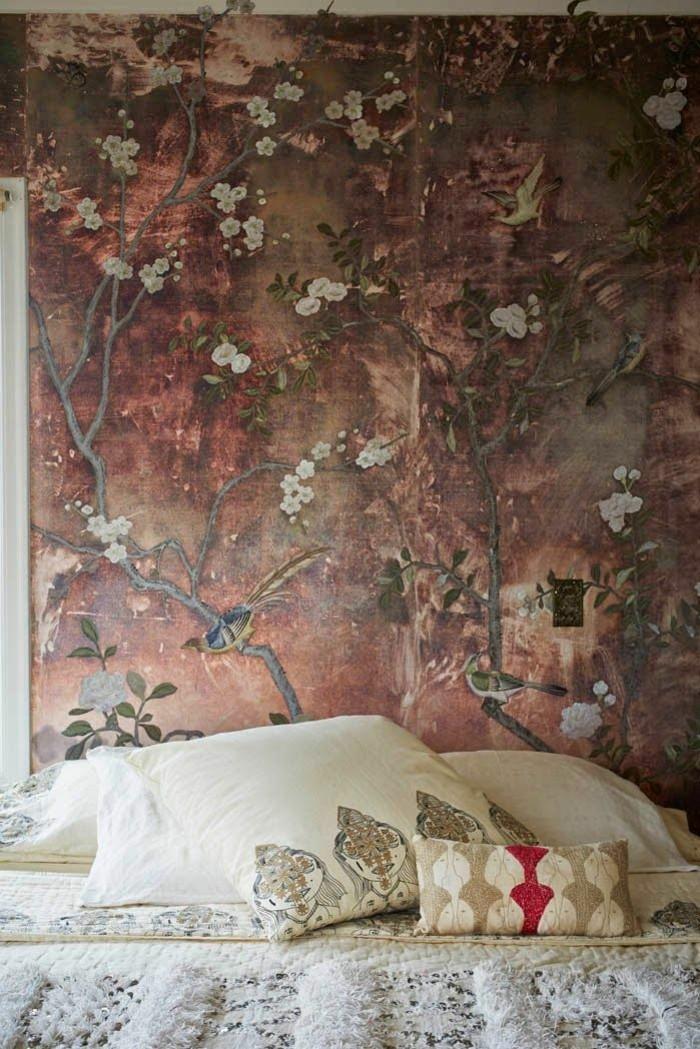 Schlafzimmer-Bettwäsche-mit-ethnischen-Motiven-außergewöhnliche-tapeten-vintage-Look