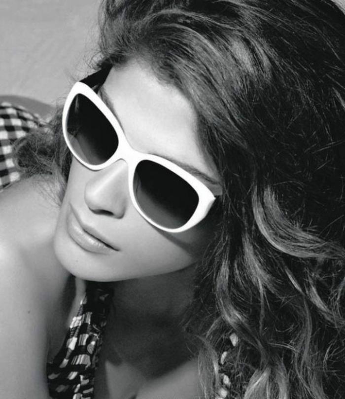 Sonnenbrille-Chanel-2011-elisa-sednaoui