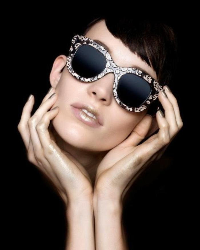 Sonnenbrille-Chanel-interessantes-design