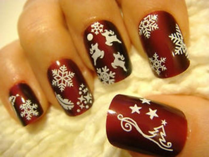 Weihnachtliches-nageldesign-rot-weisse-motive