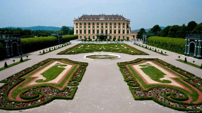 Wien-Österreich-Schonbrunn-Schloss-berühmte-sehenswürdigkeiten-in-europa